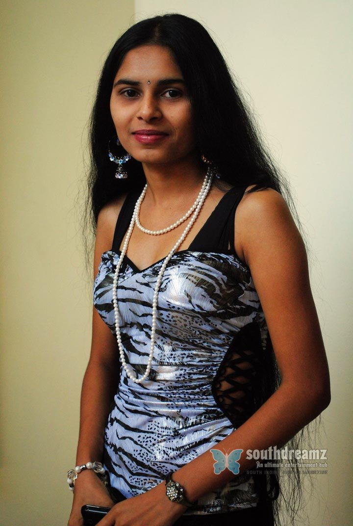Indian masala actress sameera latest glamour stills 3
