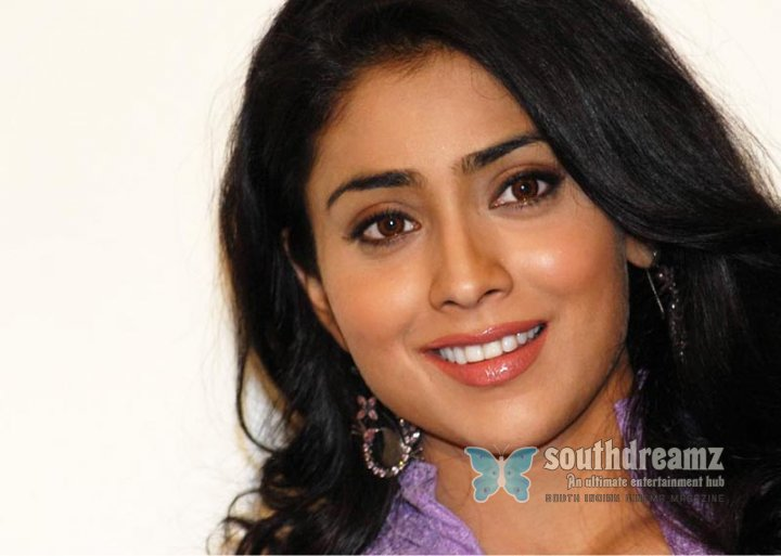 Hot actress shriya stills 11