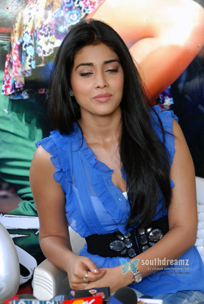 Actress shriya charan spicy masala stills 166