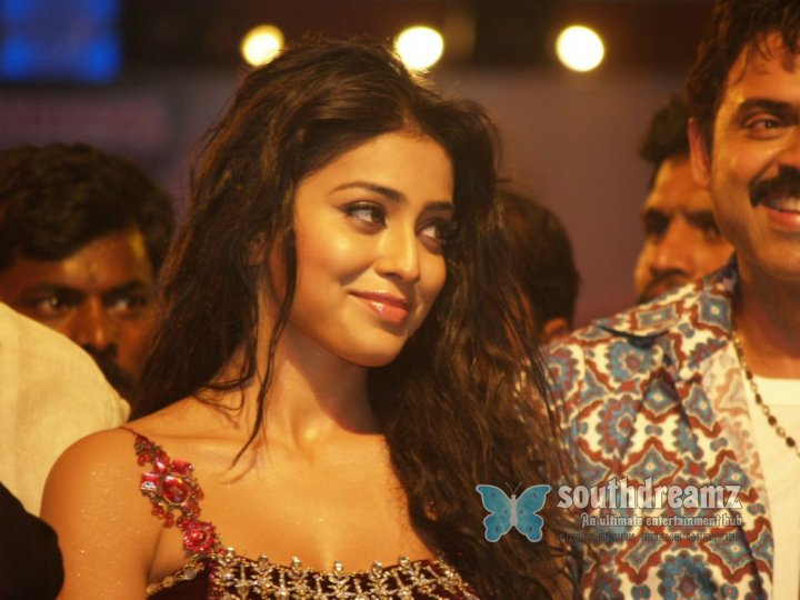 Shriya in thulasi audio 09