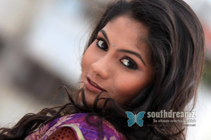 South indian model actress shruthi reddy photoshoot 27