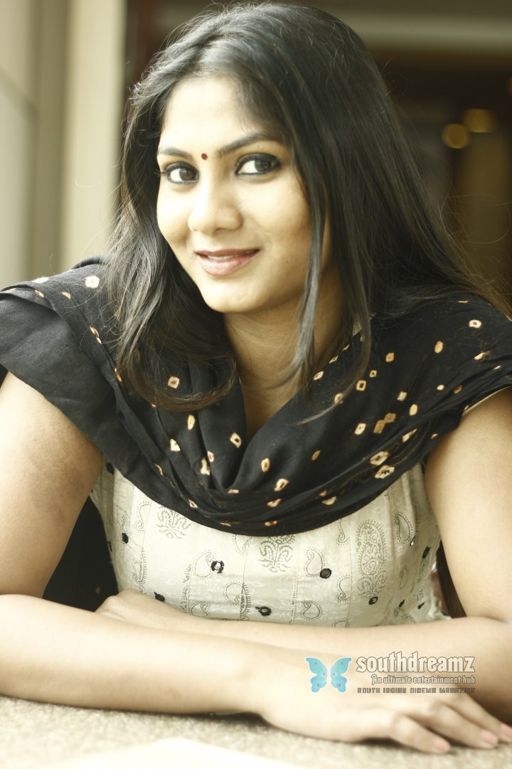Hot actress shruti reddy cute photos 3