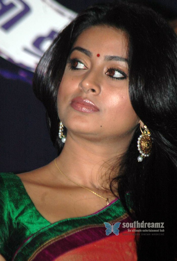 - hot-glamour-actress-sneha-saree-photos-10_720_southdreamz