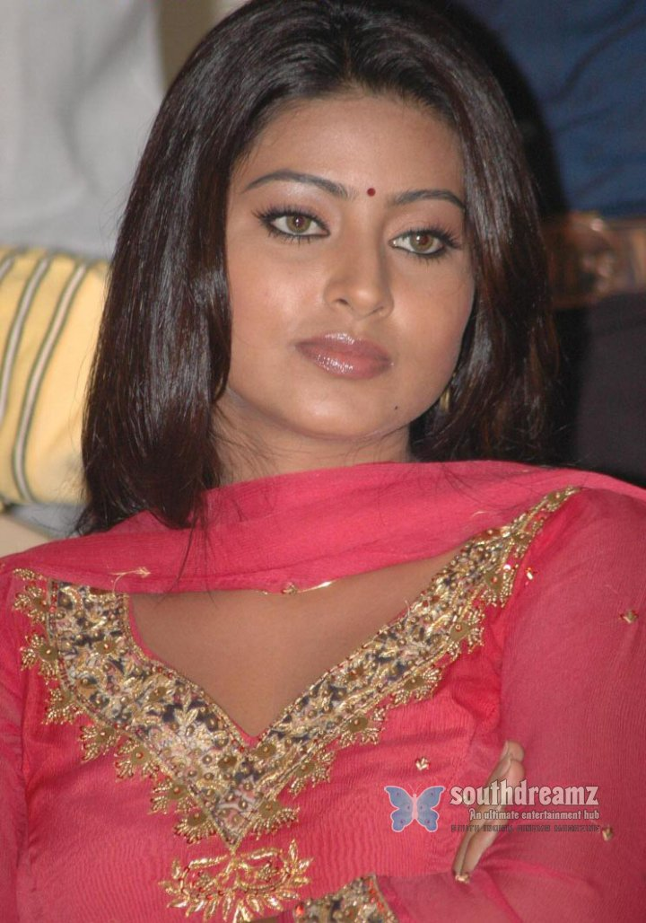 International Deshi Bangla <b>Chuda Chudi</b> News Paper Scan Choti Picture - actress-sneha-red-chudi-stills-07_720_southdreamz