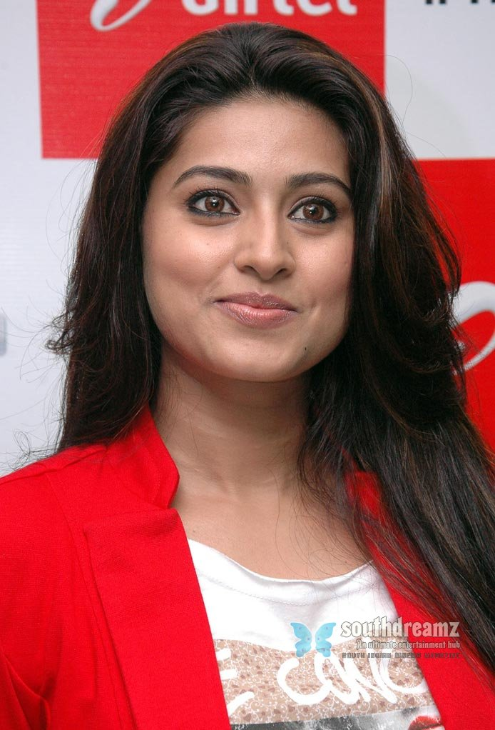 Tamil Actress Sneha Hot Stills