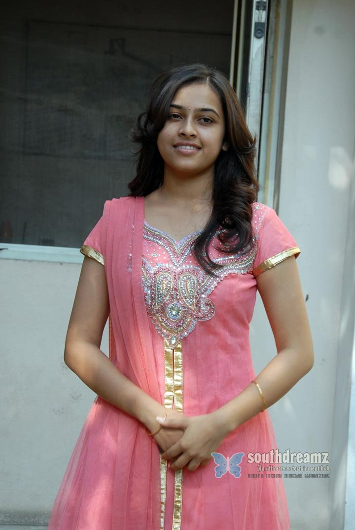 Actress sri divya the world of fashion and style photos 19