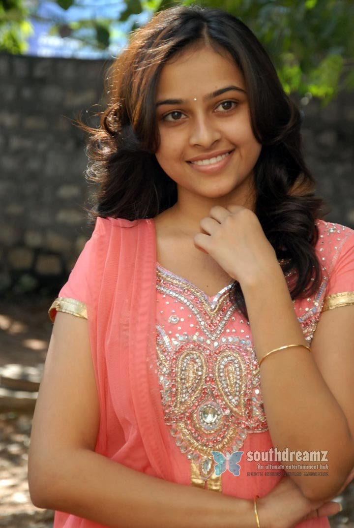 Actress sri divya the world of fashion and style photos 63