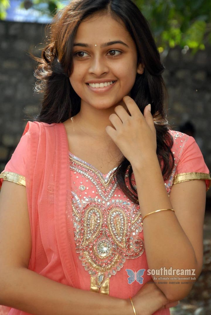 Actress sri divya the world of fashion and style photos 71