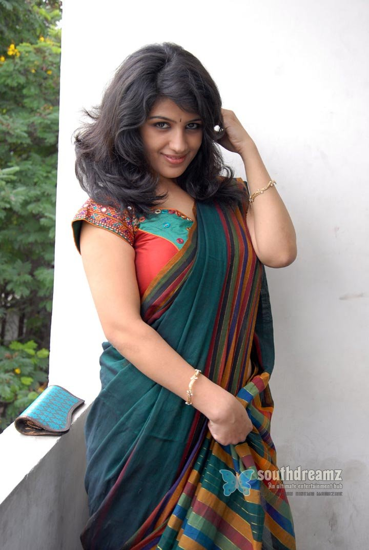More Hot Pictures From Zee Tv Mid Night Telugu Masals In Saree An