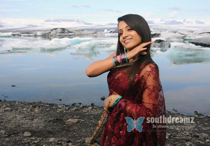 Malayalam actress trisha spicy stills 75