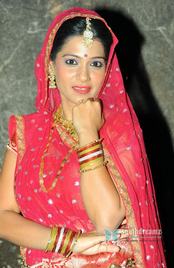 Actress  Urmila  Hot Photo Shoot Of Urmila Finest Indian Traditional Clothing And -4943
