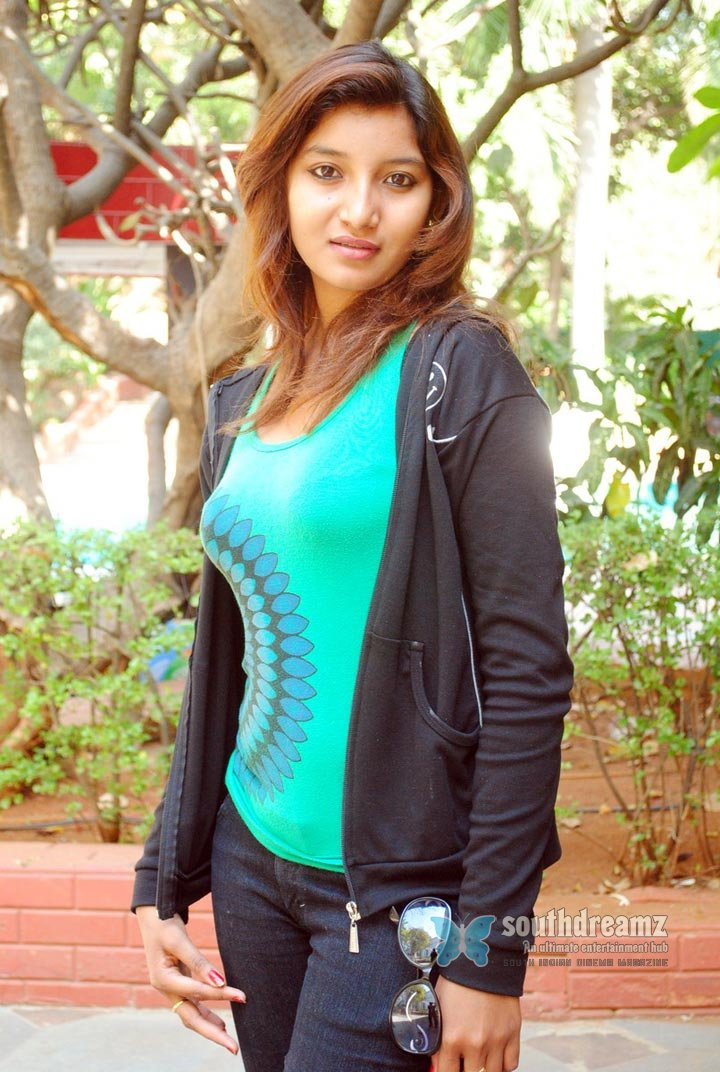 Mallu actress bindhu vinny spicy glamour photos 15