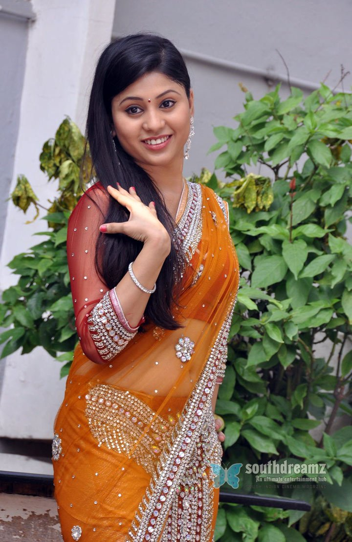 Kamapisachi Indian Actress Don T Wear Clothes Here Filmvz Portal