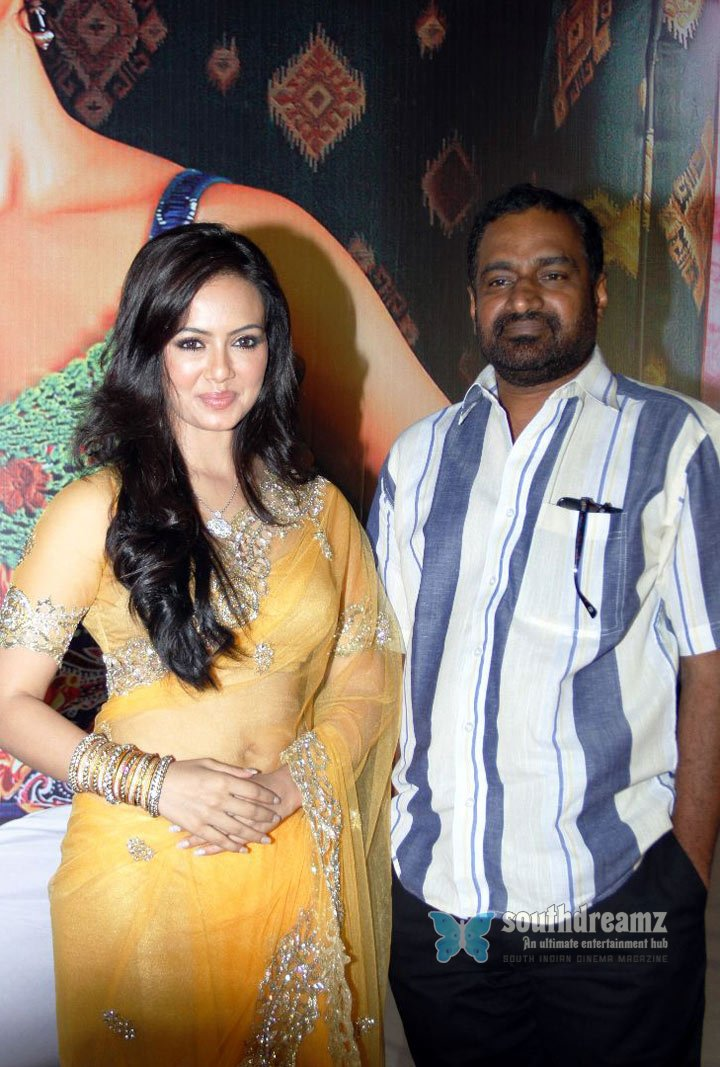 Sana khan aravind akash suresh at nadigayin diary movie music launch stills 8