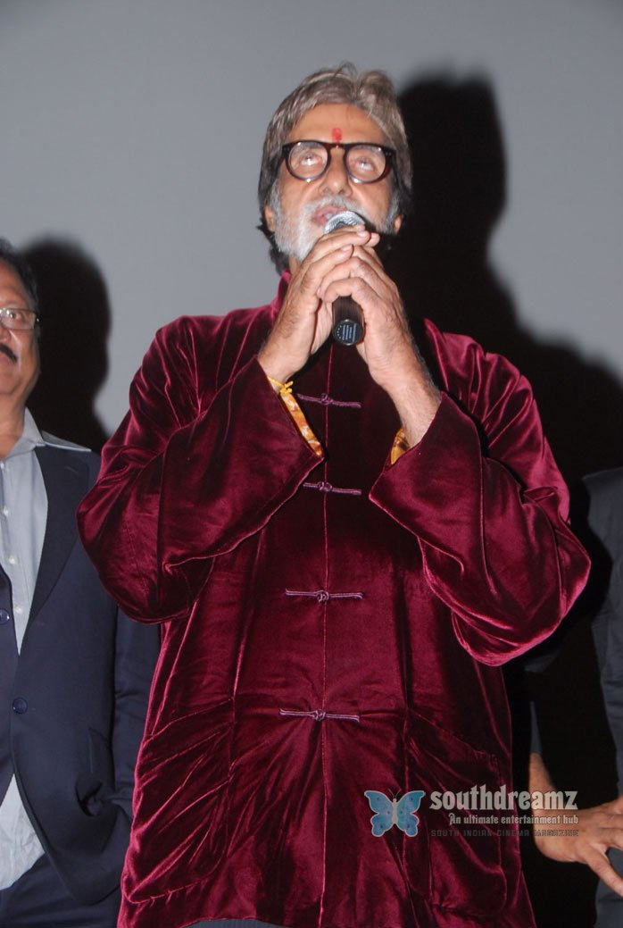 Bollywood actor amitabh bachchan stills 15