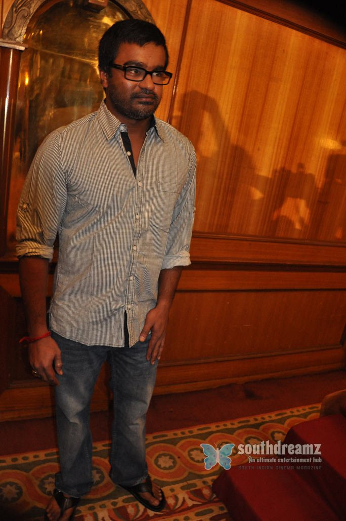 Director selvaraghavan press meet photos 16
