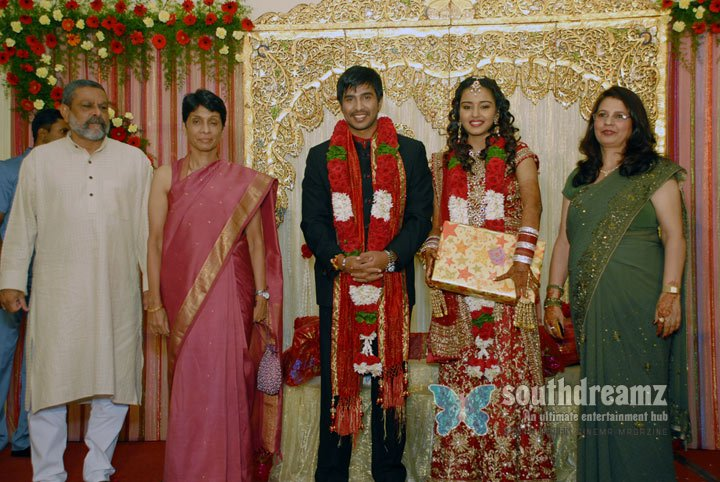 Artist vishnu marriage stills 3
