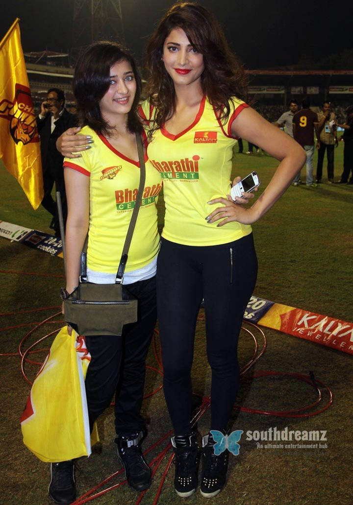 Stars at ccl3 chennai rhinos vs karnataka bulldozers match photos 23