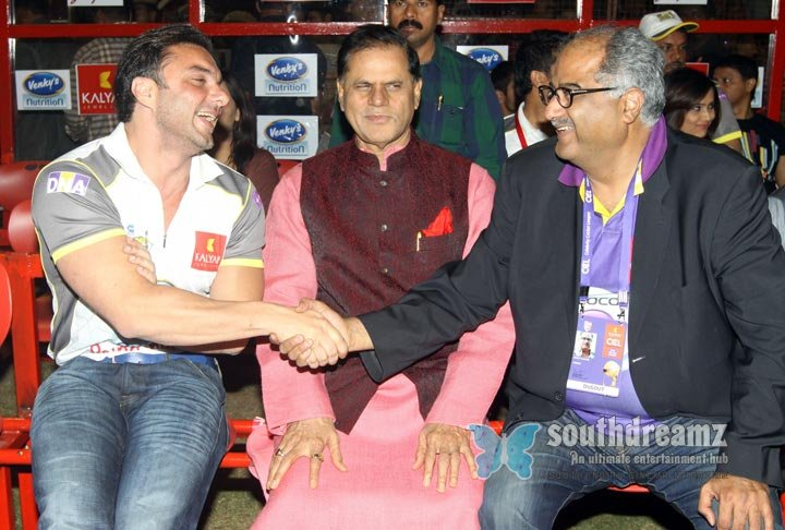 Stars at ccl3 telugu warriors vs mumbai heroes match photos 2