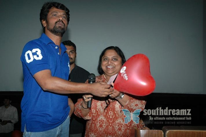 Director cheran at blind date stills 16