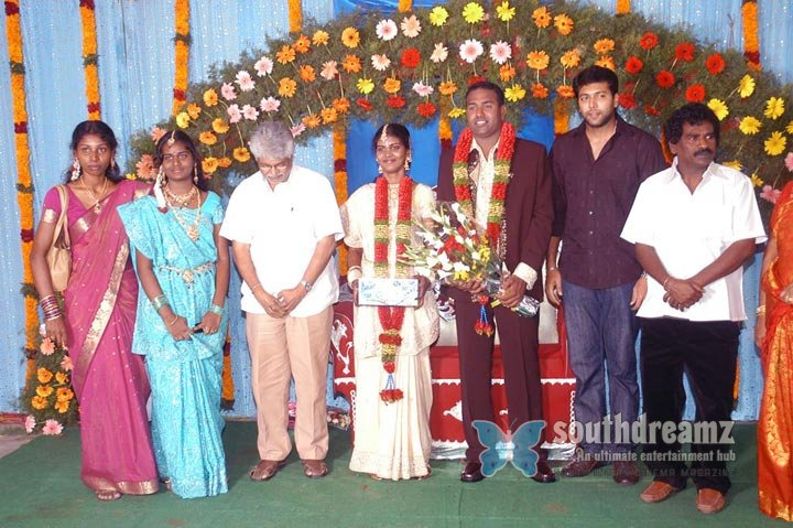 Film producer pazhaniappan daughters wedding stills images 10