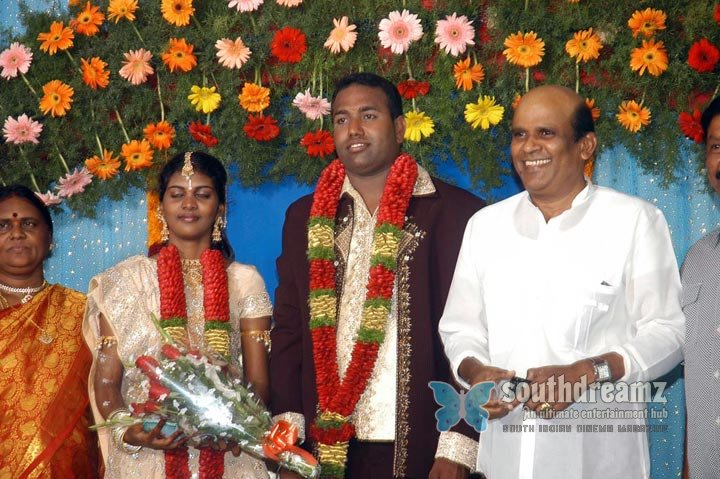 Film producer pazhaniappan daughters wedding stills images 69