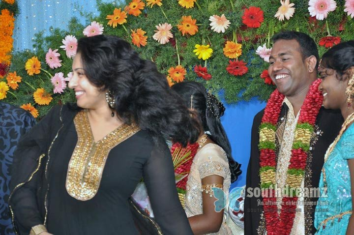 Film producer pazhaniappan daughters wedding stills images 86