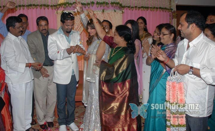 Actress ramba will get engaged to canadian nri indran today stills 1