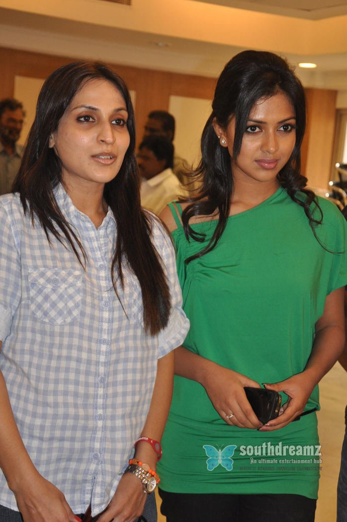 Tamil movie 3 launch stills 3