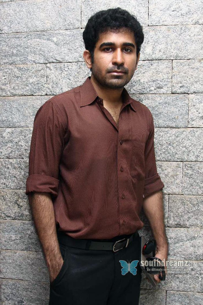 Super hot tamil movie naan vijay antony working stills 54