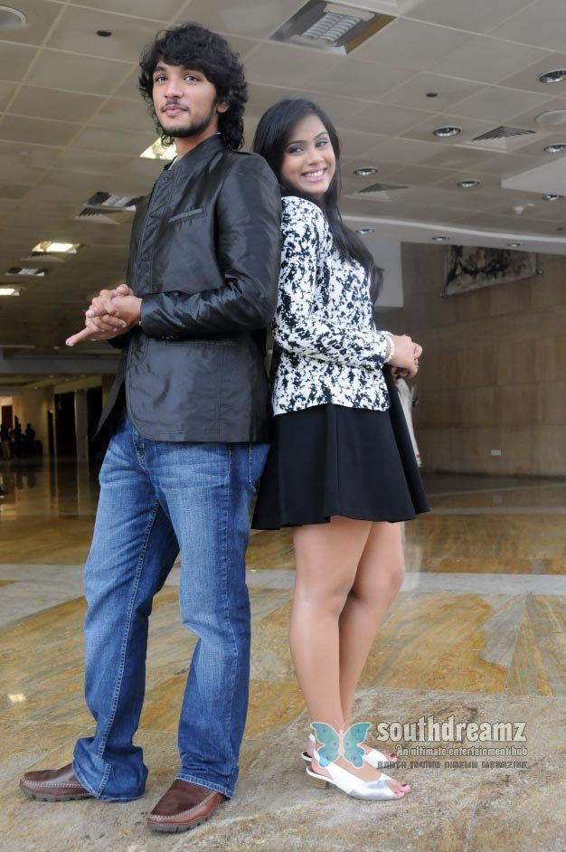 Thulasi nai and gautham karthik at kadal premiere show photos 62