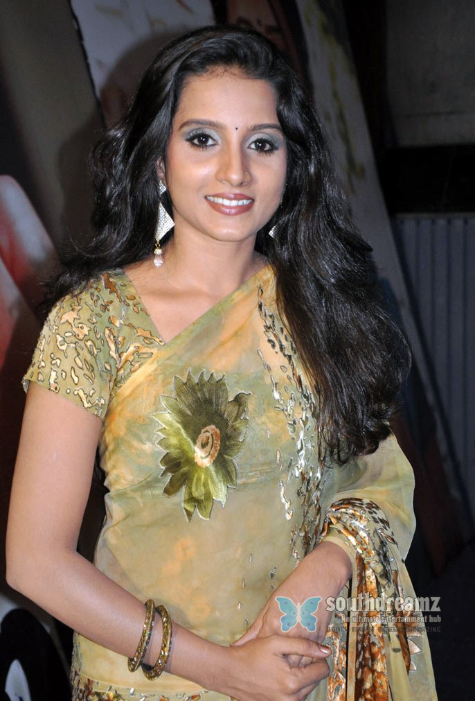 Sun tv serial actress ammu hot transparent saree stills 8
